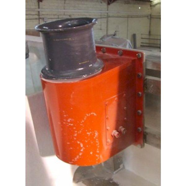 Chigre o molinete vertical hidráulico